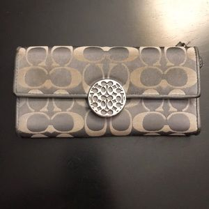 Women's Coach Wallet- Used